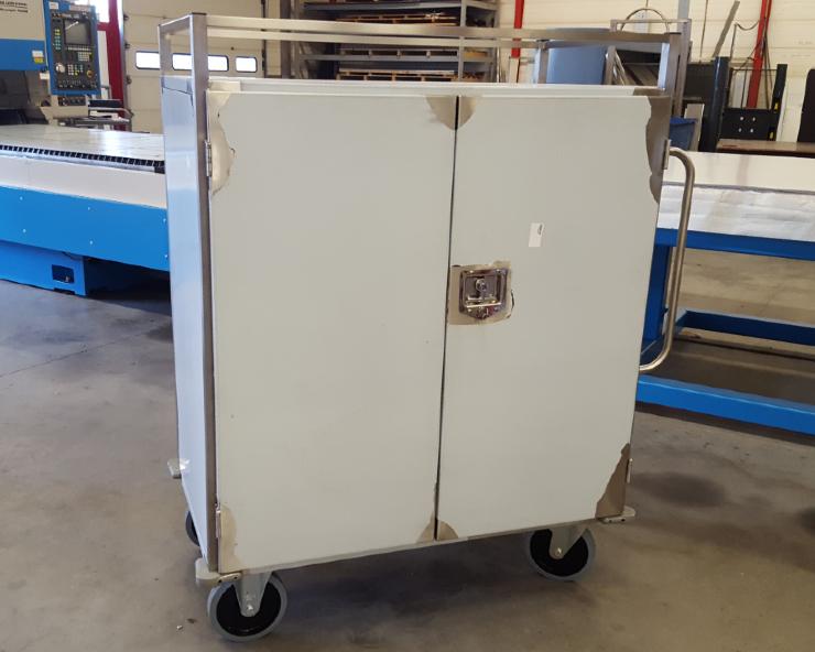 Productie foto van RVS transportkar